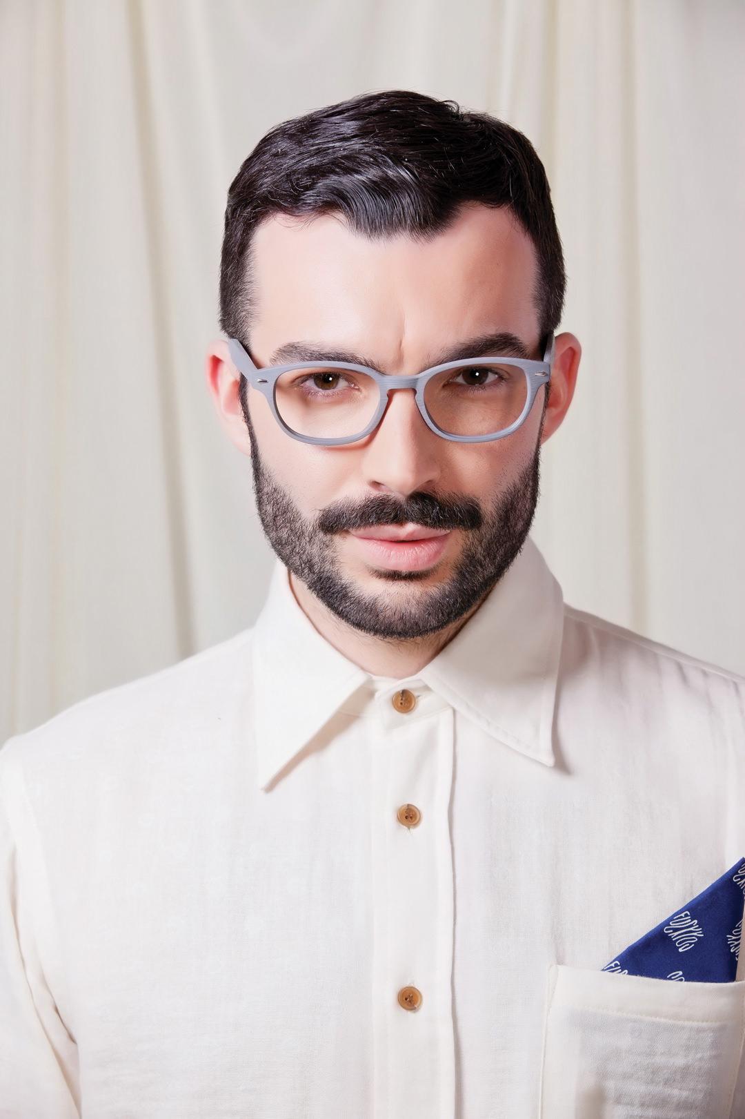 Man wearing Brooklyn Spectacles Billyburg eyeglasses in Gray.