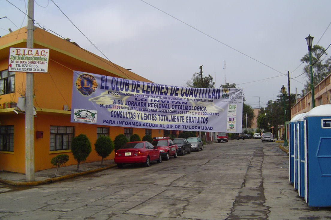 Sign advertising the eye clinic at its entrance.